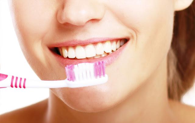 Chăm sóc răng thế nào sau khi làm Implant nha khoa