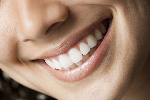 Bọc chụp răng sứ thẩm mỹ